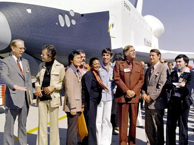 Star Trek cast with shuttle Enterprise.jpg